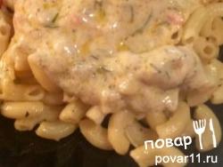 Сметанный соус с тушёными кальмарами